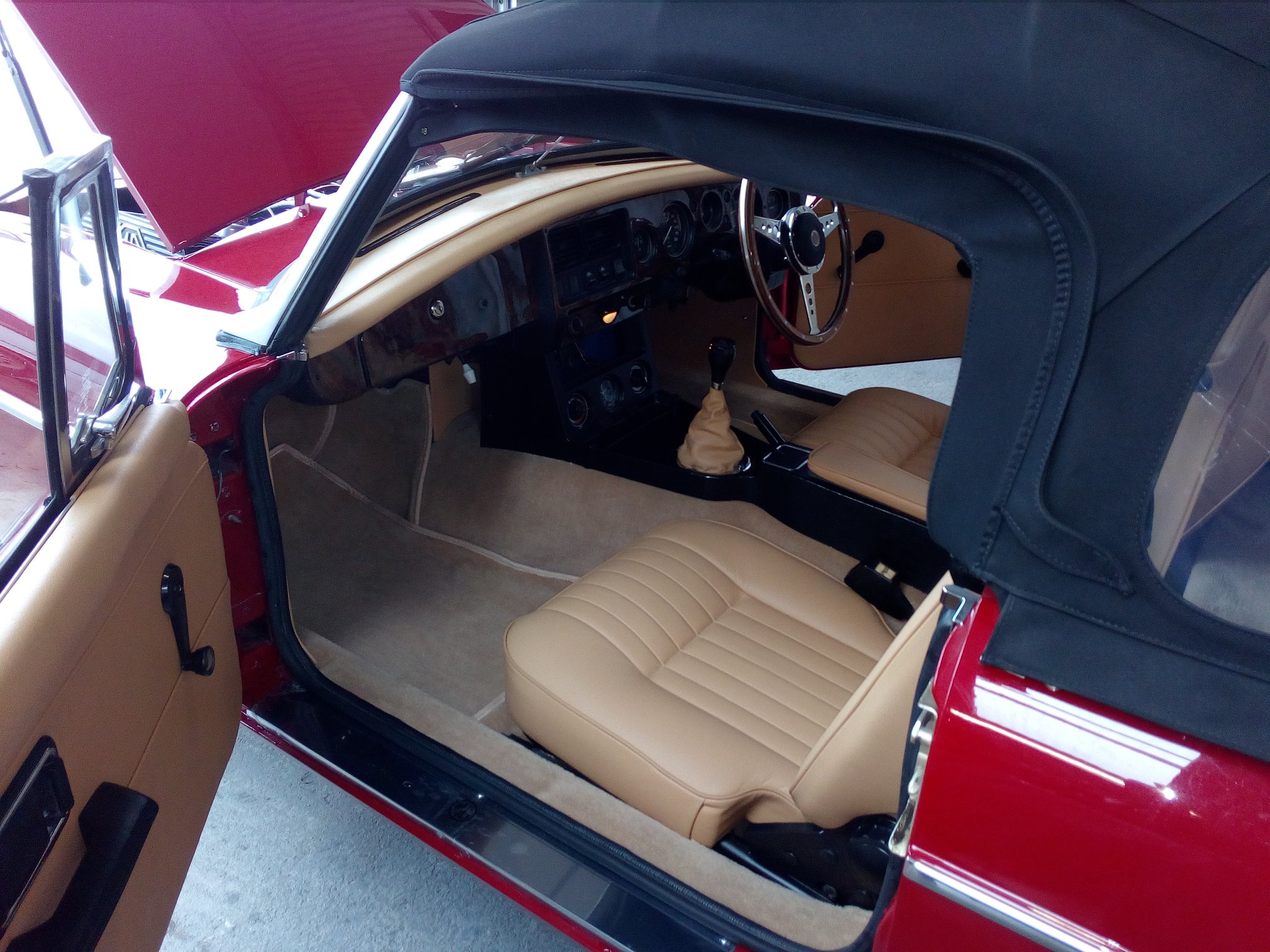 MGB cream interior